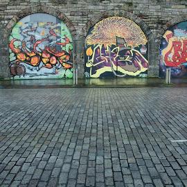 Street art by Dacey Uthoff - City,  Street & Park  Street Scenes