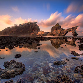 The Hidden Beach by Bertoni Siswanto - Landscapes Beaches ( landscape photography, bertoni siswanto, rock formation, sunrise, beach, formation clouds,  )