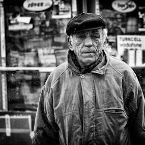 by Yasin Akbaş - Black & White Portraits & People