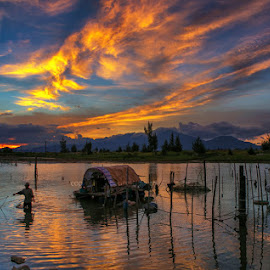 Dawn on lagoon by Trang Nguyen - Landscapes Sunsets & Sunrises ( water, nature, places, travel, fishing, landscape, people )