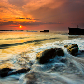 Waiting by Choky Ochtavian Watulingas - Landscapes Waterscapes ( clouds, sky, sunset, cliff, beach, seascape, rocks )