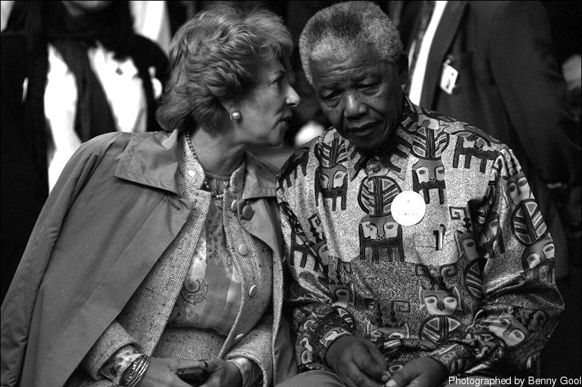 """Mandela harus meletakkan batu bata terakhir di dalamnya untuk melengkapi bendera itu..."""