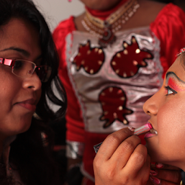 Before the show by Giancarlo Ferraro - People Musicians & Entertainers ( make up, girl, performance, traditional, sri lanka,  )