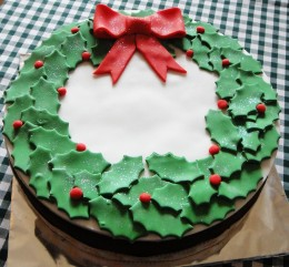 extract from craft cakes website learn to decorate a festive fruit cake