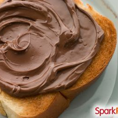 Easy Homemade 'Nutella' (Chocolate Nut Butter)