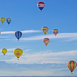 Flying over the mountains by Massimo Mazzasogni - Sports & Fitness Other Sports ( mountains, sky, massimo mazzasogni, hot-air balloon, landscape )