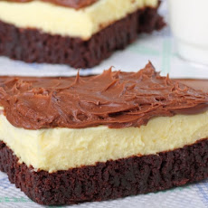 Easy Brownie Bottom Cheesecake with Chocolate Frosting