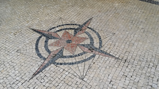 Compass Tile @Mong Ha