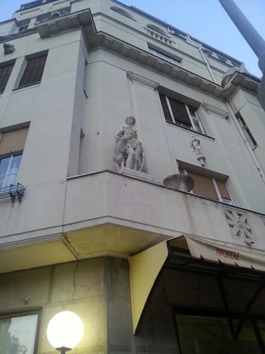 Afrodita Sculpture