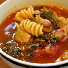 Hearty Tomato Soup With Chicken and Pasta