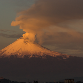 Smoking in the morning by Cristobal Garciaferro Rubio - Landscapes Sunsets & Sunrises ( popo, mexico, popocatepetl, snowy volcano, eruption )