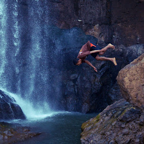 Free style by Ahmad Irfan - People Street & Candids ( people nature rock river water jump )