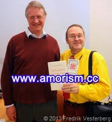 DSC09820 (1) Stefan Borg boken Uppbyggligt tal i skiljaktig anda. Med Fredrik Vesterberg. Beskuren bättrad. Med amorism