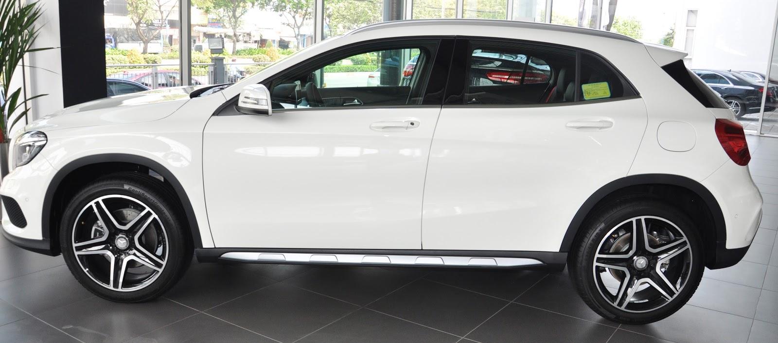 Xe Mercedes Benz GLA 250 4Matic màu trắng 03