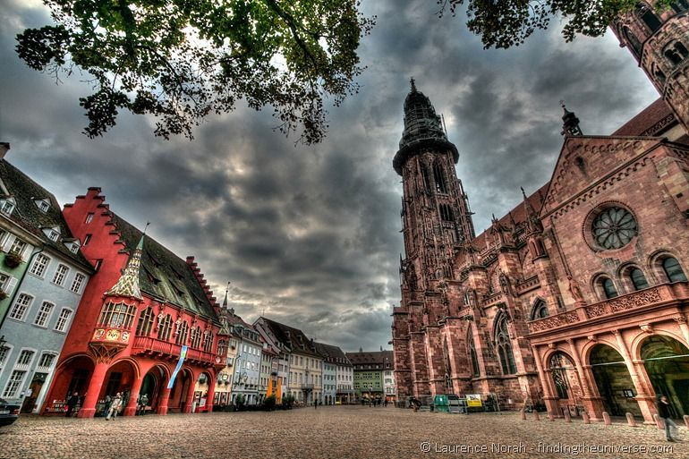 Freiburg cathedral and square