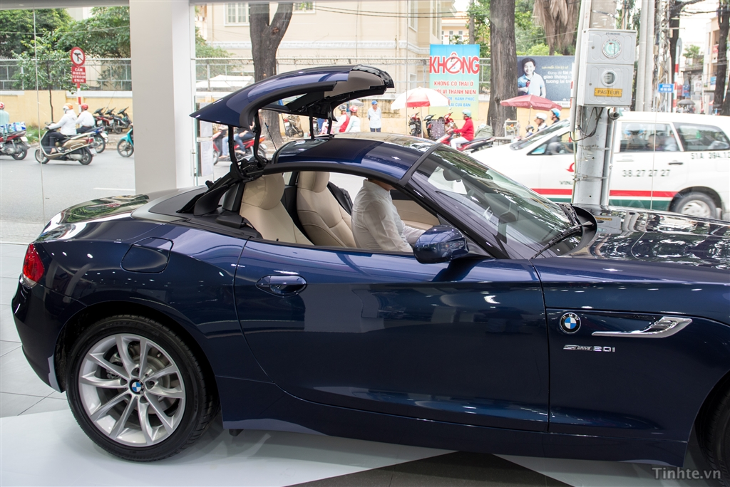Ngoại thất xe BMW Z4 20i sDrive 08