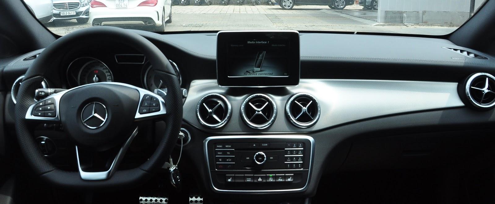 Nội thất xe Mercedes Benz CLA250 4MATIC New Model 02