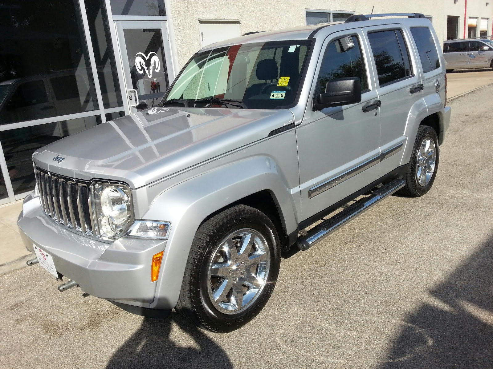 19 991 silver 2010 4wd jeep liberty limited edition 51k miles troy young 817 243 9840 tdy. Black Bedroom Furniture Sets. Home Design Ideas