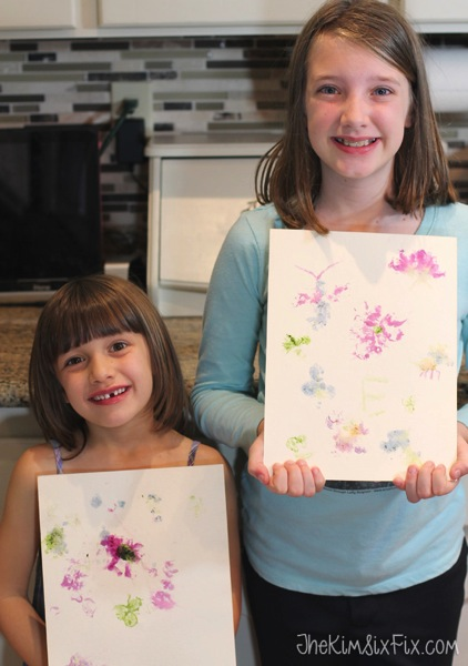 Kids pounded flower art