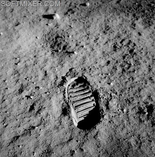 596px-Apollo_11_bootprint