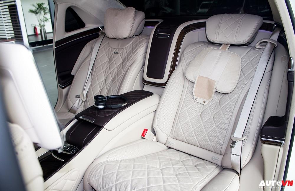 Nội Thất Xe Mercedes Benz S600 MAYBACH Màu Trắng 04