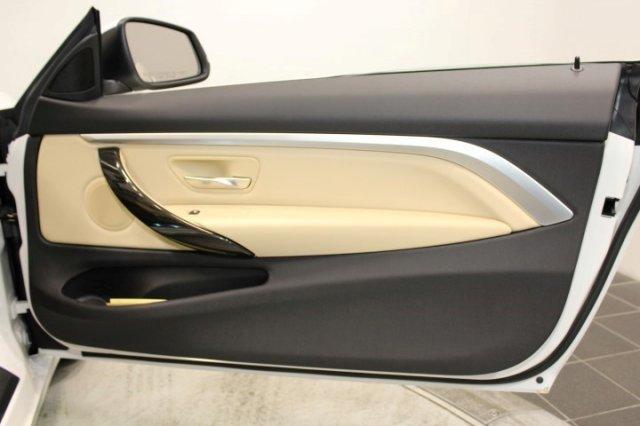 Nội thất xe BMW 420i Convertible new model 017