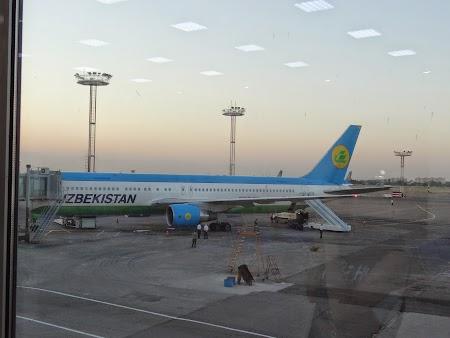 34. Uzbekistan Airways.JPG