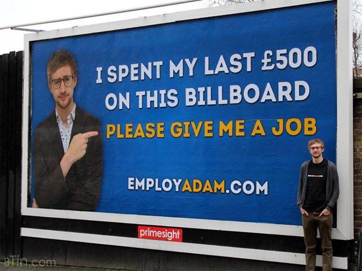 Với mong muốn kiếm được việc làm, anh chàng này đã tự