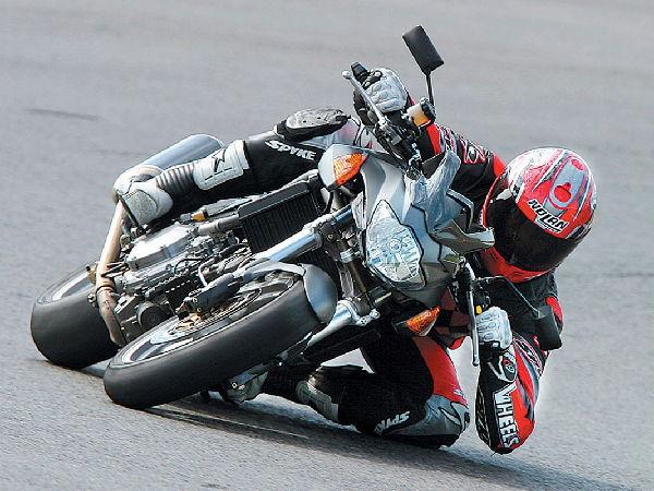 motociclismo-poli-00018.jpg