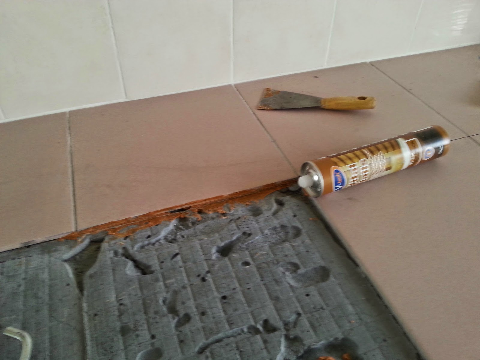 Kontraktor Pemasangan Tile Tabletop Meja Dapur Plumbing Dan Mengecat