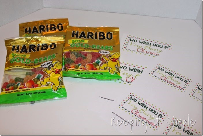 Neighbor gift idea- Sour gummy bears with printable tag (2)