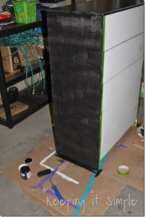 Minecraft Creeper Dresser with DecoArt Chalk Paint (2)