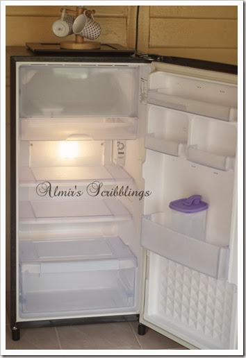 homestay di johol - clean fridge