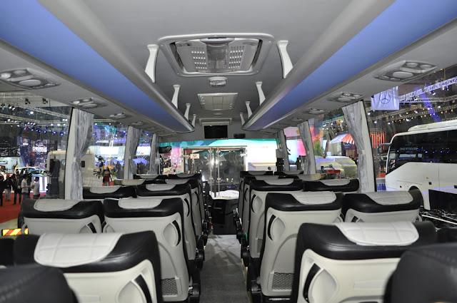 Hệ thống đèn led xe Galaxy 34 chỗ đô thành hiện đại
