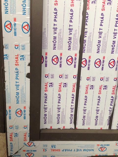 Cửa nhôm Việt Pháp SHAL sử dụng pano nhôm của hãng