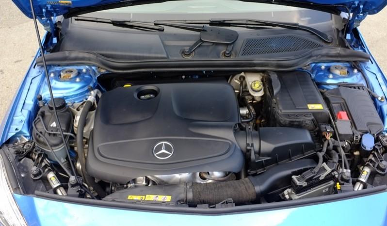 Động cơ xe Mercedes cũ A250 AMG 2014 màu xanh 01