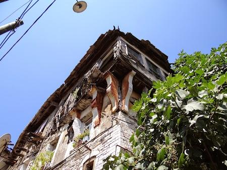 56. Casa istorica in ruina.JPG