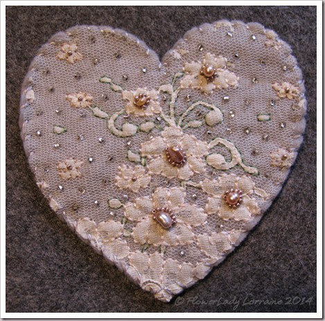 08-06-lace-heart