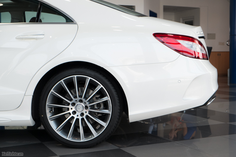 Xe Mercedes Benz CLS500 New Model màu trắng 06
