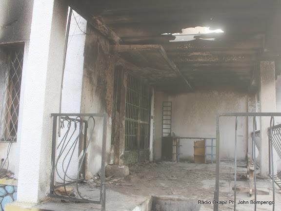 Une vue de la chaine de télévision RLTV incendié le 6/9/2011 à Kinshasa