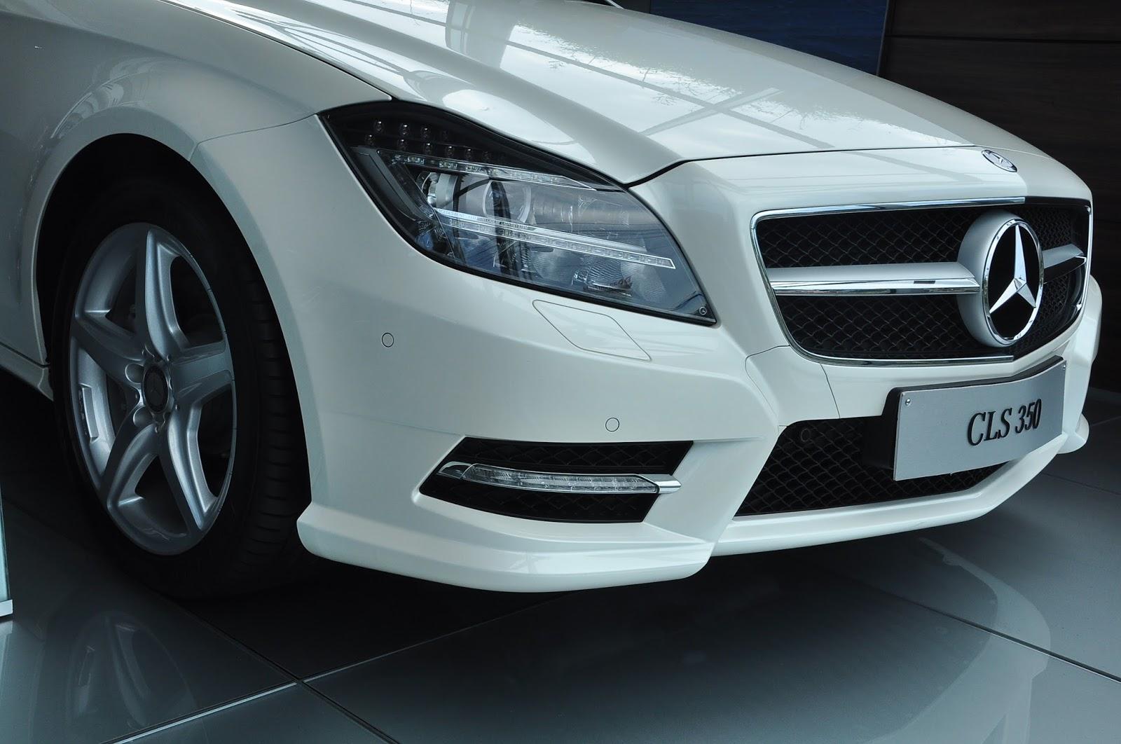 Xe Mercedes Benz CLS350 New Model màu trắng 03