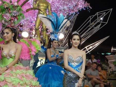 11. Ladyboys - Pattaya.JPG