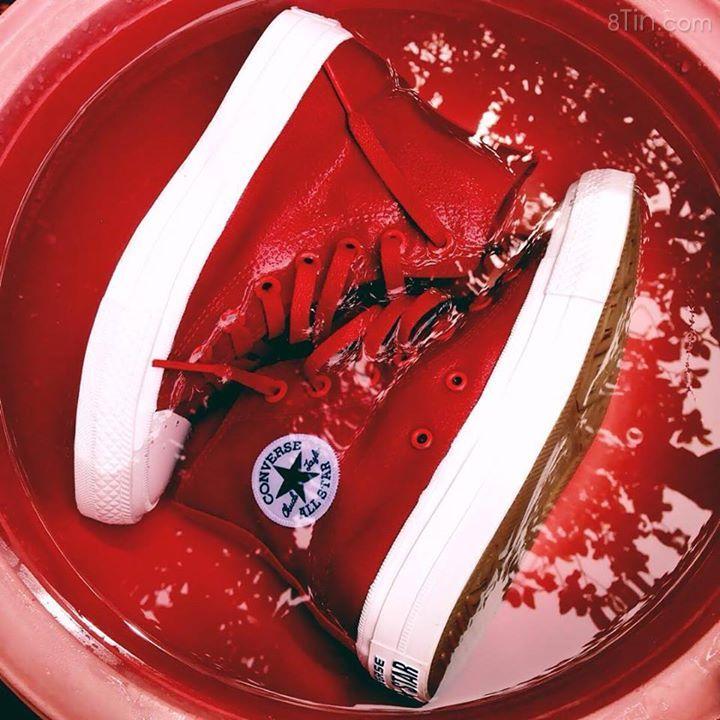 Tắm giặt thôi ! Made by @neihmeid #Converse #ChuckII #Red #Madebyyou P/S