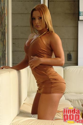 Milena Guzman Striptease Foto 55