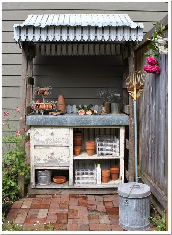 http://fishtailcottage.blogspot.com//search?q=+potting+bench