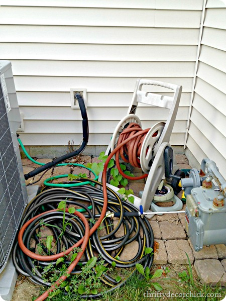 organizing hoses outside