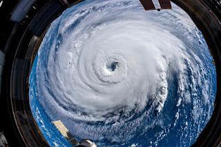 Việt Nam nên thay đổi thang đo cấp bão của mình, vì Tây Thái Bình Dương sẽ là nơi sắp sửa xảy ra các cơn bão vượt quá thang đo quốc tế hiện hành!