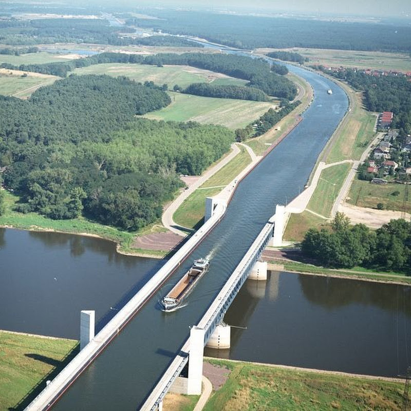 3 Most Impressive Water Bridges Around the World