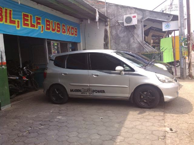 Sewa Mobil Honda Jazz di Jogja
