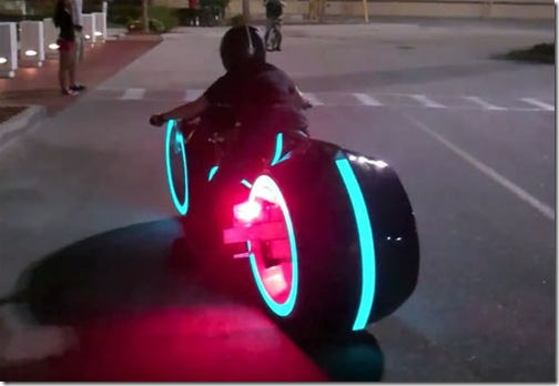 awesome-electric-tron-lightcycle-by-parker-brothers-6